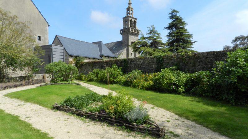 Ploulec'h jardins mairie