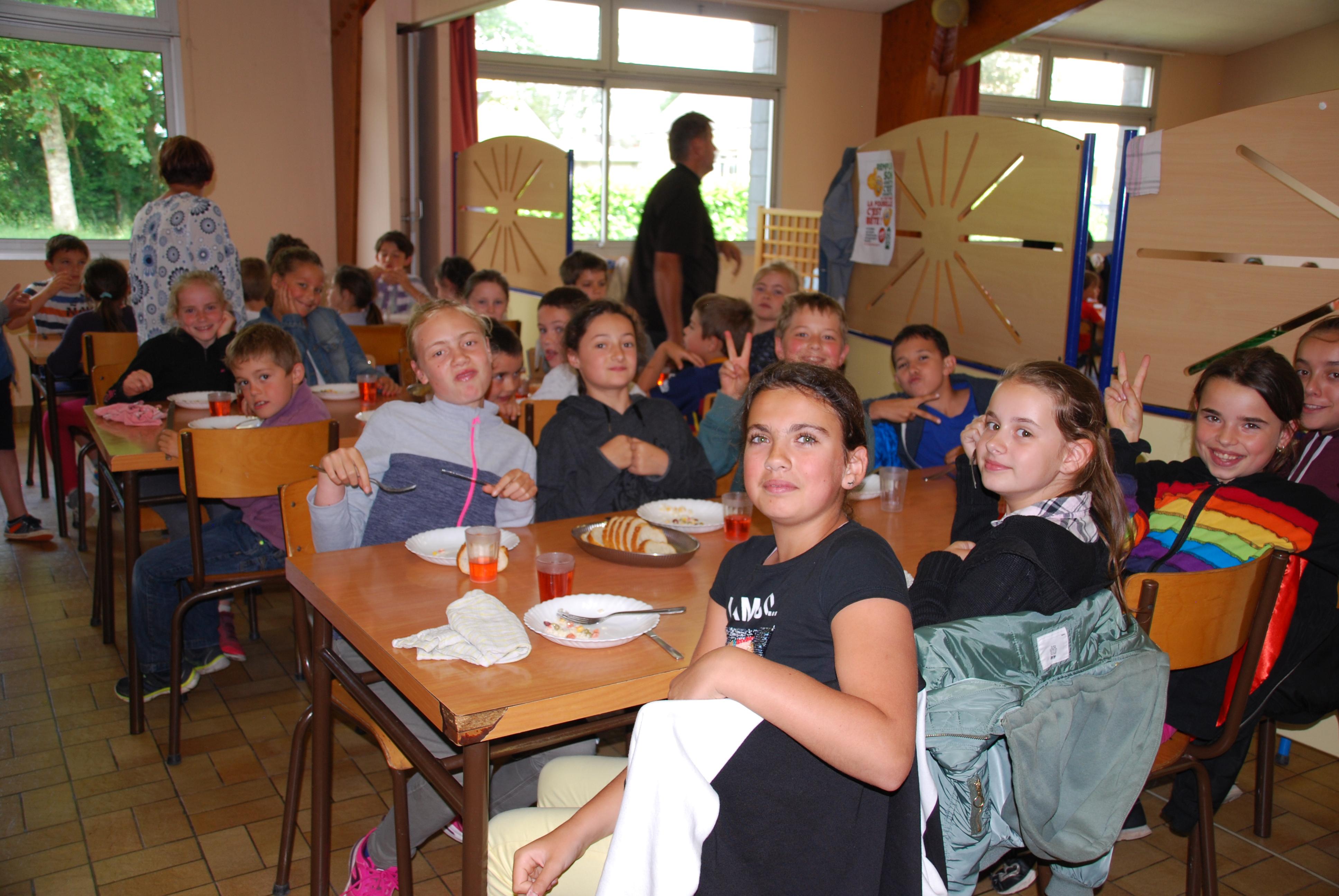 la-vraie-croix-restaurant-scolaire-2