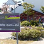 Locqueltas : supérette communale sur la place de la mairie